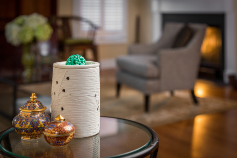 New EnviroScent Bursts are a no-mess, recyclable and compostable form designed to provide a vivid fragrance that starts immediately and lasts more than two-times longer than a traditional wax melt. (Photo: Business Wire)