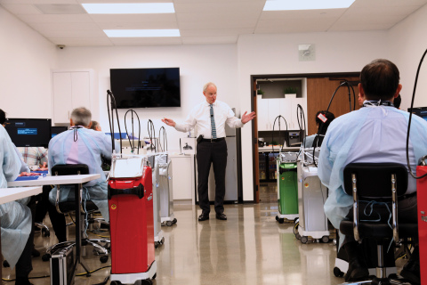 Dr. Samuel B. Low, a leading periodontist, instructs dentists in one of the new hands-on labs at the BIOLASE Learning Center. (Photo: Business Wire)