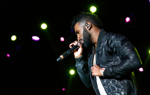 SAN DIEGO, CA - FEBRUARY 27: Jason Derulo and Hilton encourage music fans to 'Stop Clicking Around' and start playing with surprise concert outside of Hilton San Diego Bayfront on February 27, 2016 in San Diego, California. The concert celebrates the recently-launched 'Stop Clicking Around' marketing campaign and kicks off the 2016 Hilton Concert Series. For more information, visit HHonors.com (Photo by Nancee E. Lewis/Getty Images for Hilton)