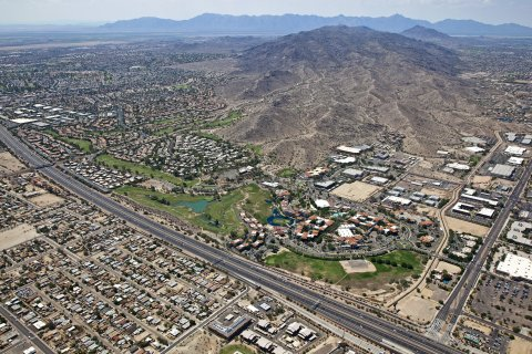 Arizona's Loop 202 South Mountain Freeway (Photo: Business Wire)