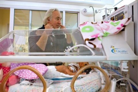 David K. Stevenson, MD, renowned neonatology leader at Lucile Packard Children's Hospital Stanford and Stanford Children's Health, is seen at work in our neonatal intensive care unit. He has been named recipient of the 2016 Joseph W. St. Geme Jr. Leadership Award by The Federation of Pediatric Organizations. Stevenson will be presented the award on April 30 at the Pediatric Academic Societies Meeting in Baltimore. (Photo: Business Wire)