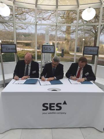 From left to right: Mr. Marco Fuchs, OHB CEO;  Karim Michel Sabbagh, President & CEO, SES;  Mr. Jan Woerner, Director General, ESA  (Photo: Business Wire)