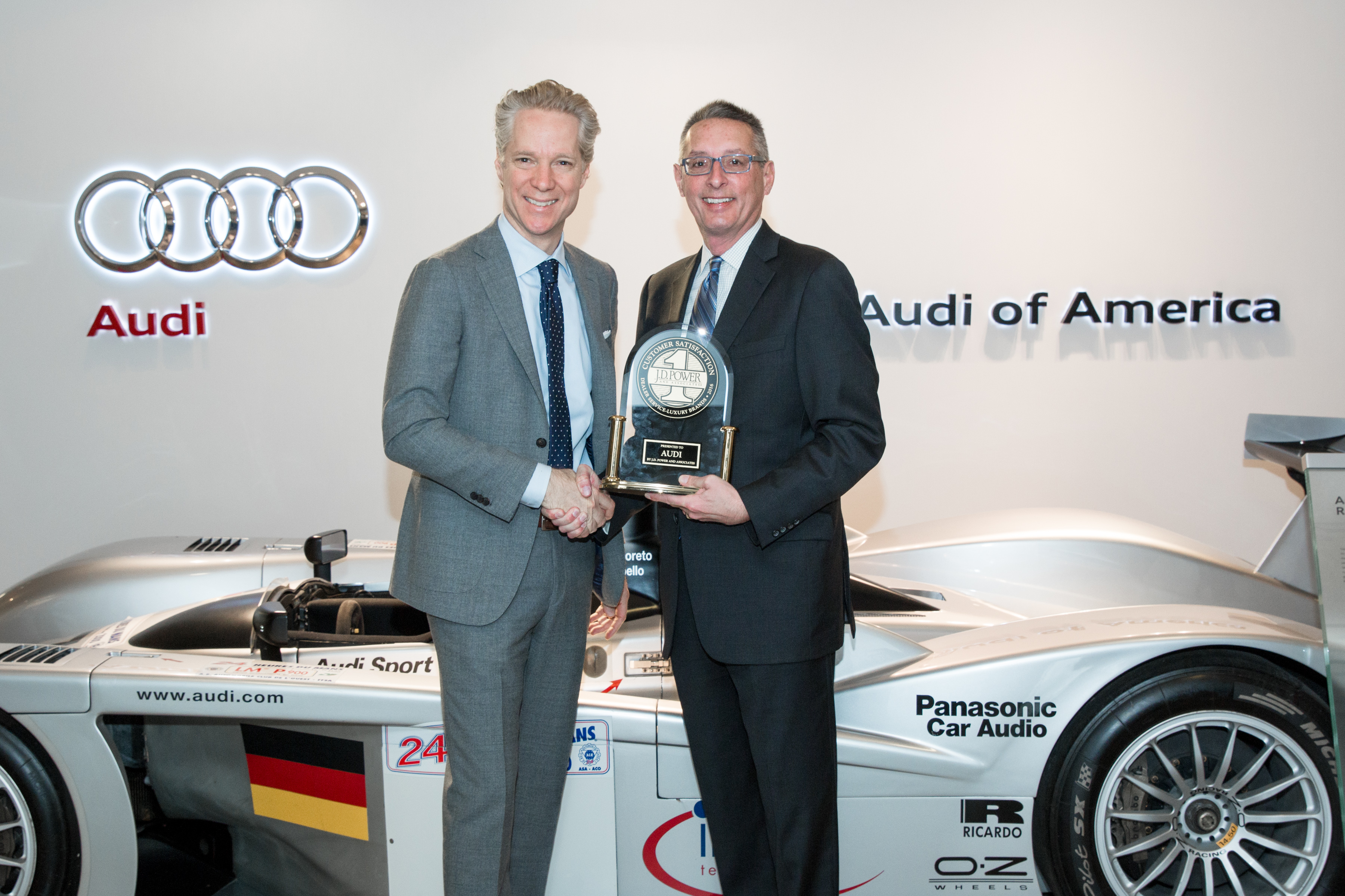 audi achieves no 1 spot in j d power 2016 customer service index