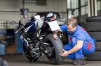 moto-pneumatici.it: la primavera è la stagione dei motociclisti; ecco come i biker si preparano ad affrontare in sicurezza l'inizio del periodo delle gite su strada