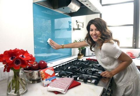 Jillian Harris Uses A Mr CleanR Magic Eraser To Wipe Away Cooking Splatters While
