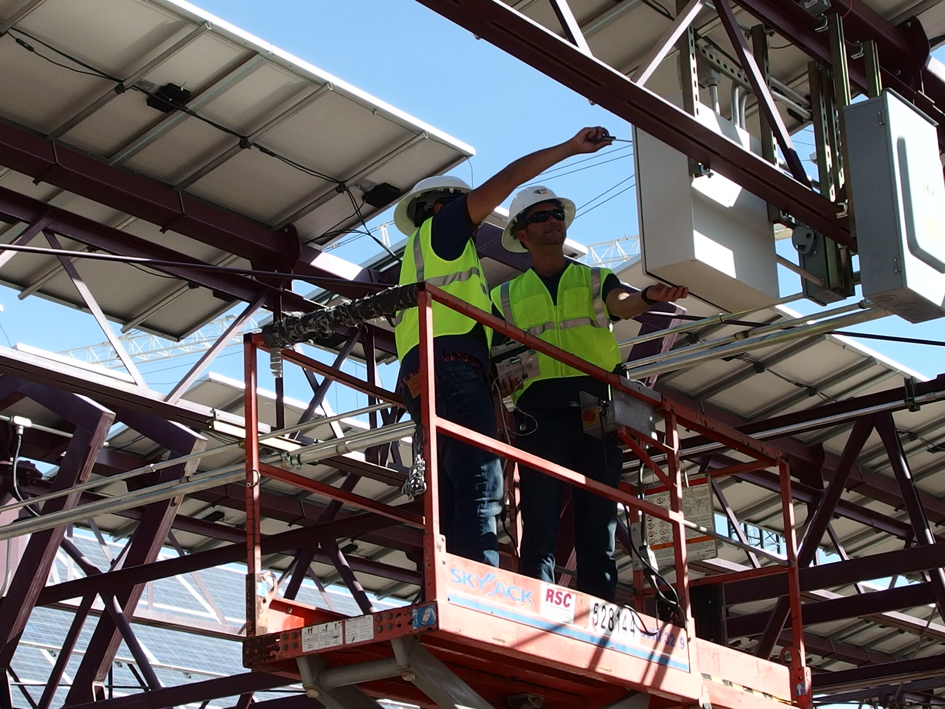 The SunLink PowerCare team has taken on O&M responsibility for a group of tracker and rooftop solar projects installed at Arizona State University (ASU). ASU has elected to install VERTEX, SunLink's next-generation, secure SCADA and performance monitoring platform, on the tracker installations for which SunLink will be responsible to improve its O&M efficiencies. (Photo: Business Wire)