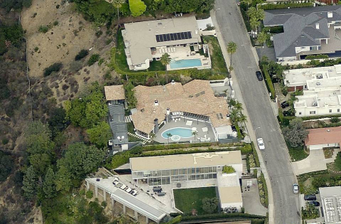 Located in the bird streets section of the Hollywood Hills, the 7,550 sq foot home features 6 bedrooms, 6.5 bathrooms and guest house. (Photo: Business Wire)