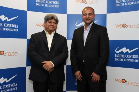 Dilip Rahulan, Executive Chairman & CEO, Pacific Controls (L) and Kumi Thiruchelvam, CEO - WSO2.Telc ...