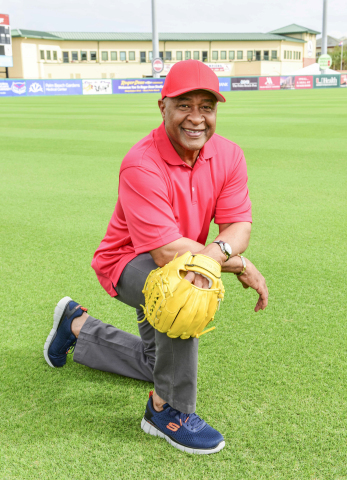 Ozzie Smith teams up with Skechers (Photo: Business Wire)