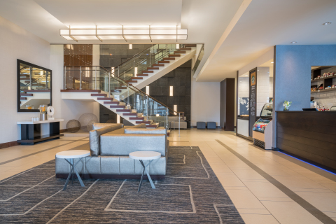 Renovations completed at the Hilton Minneapolis/Bloomington Hotel (Photo: Business Wire)