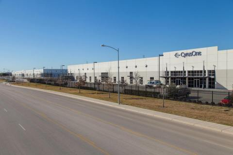 Front exterior of CyrusOne's new Austin III facility (Photo: Business Wire)