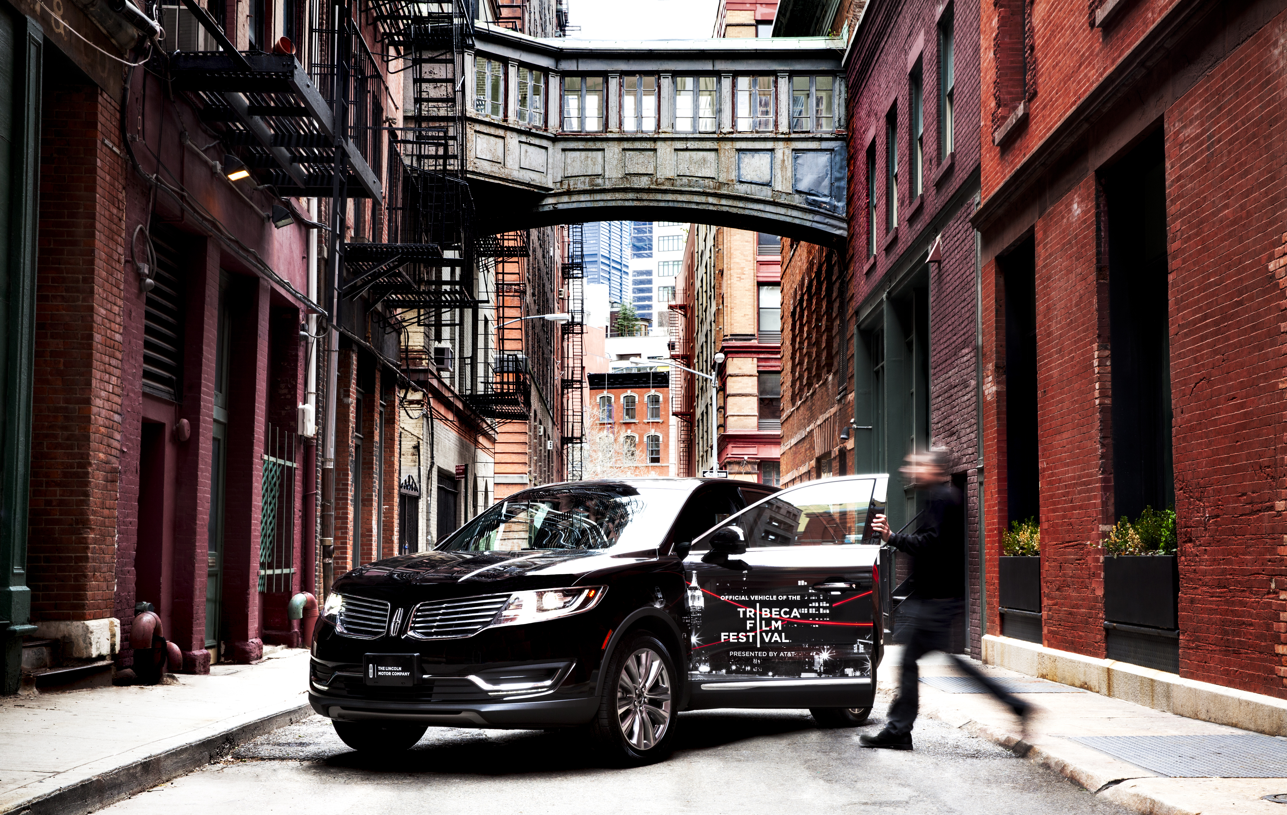 Lincoln continues signature sponsorship of tribeca film for Lincoln motor company news