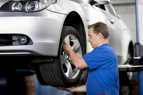 If new summer tyres are needed, they can be easily delivered directly to their closest Tirendo fitti ...
