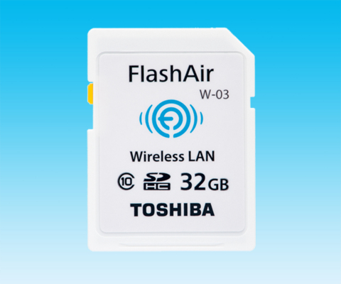 東芝:無線LAN搭載SDメモリカード「FlashAir™」 (写真:ビジネスワイヤ)