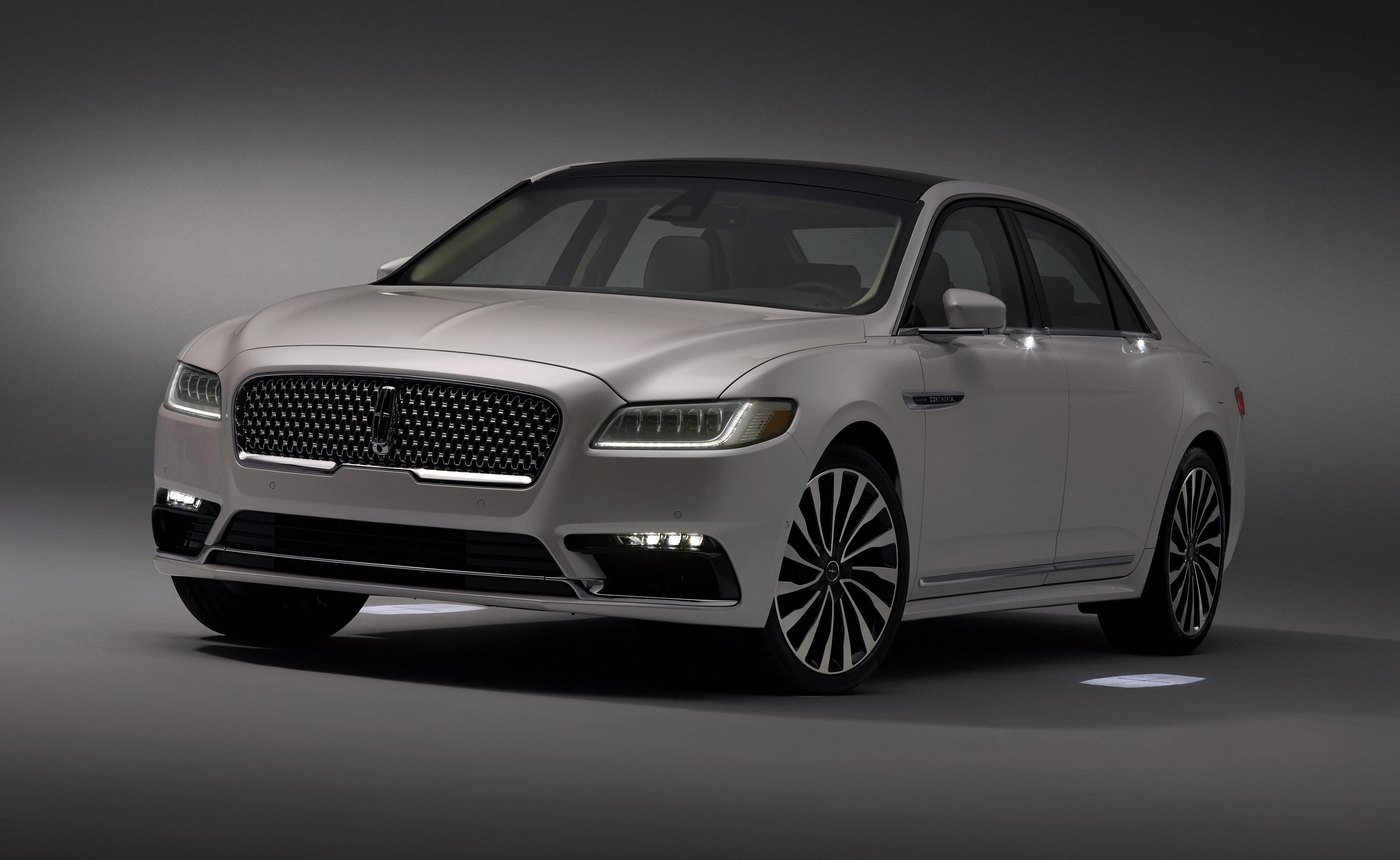 Lincoln Motor Company >> All New Continental Greets Customers With Warm And Inviting