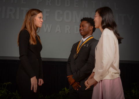Academy Award-winning actress Hilary Swank congratulates Dustyn Phillips, 17, of Queen Creek (center) and Hope Weng, 13, of Tempe (right) on being named Arizona's top two youth volunteers for 2016 by The Prudential Spirit of Community Awards. Dustyn and Hope were honored at a ceremony on Sunday, May 1 at the Smithsonian's National Museum of Natural History, where they each received a $1,000 award. (Photo: Zach Harrison Photography)