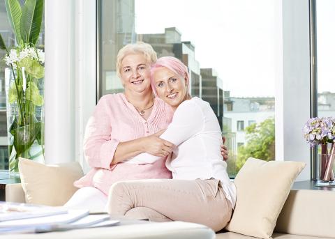 """Ariane und Astrid Friedrich, Botschafterinnen der P&G """"Danke Mama"""" Kampagne (Foto: Business Wire)"""