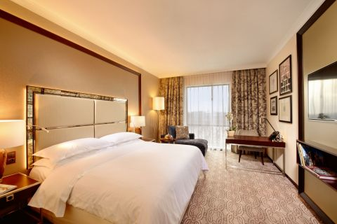 Starwood Hotels & Resorts - Sheraton Grand Krakow