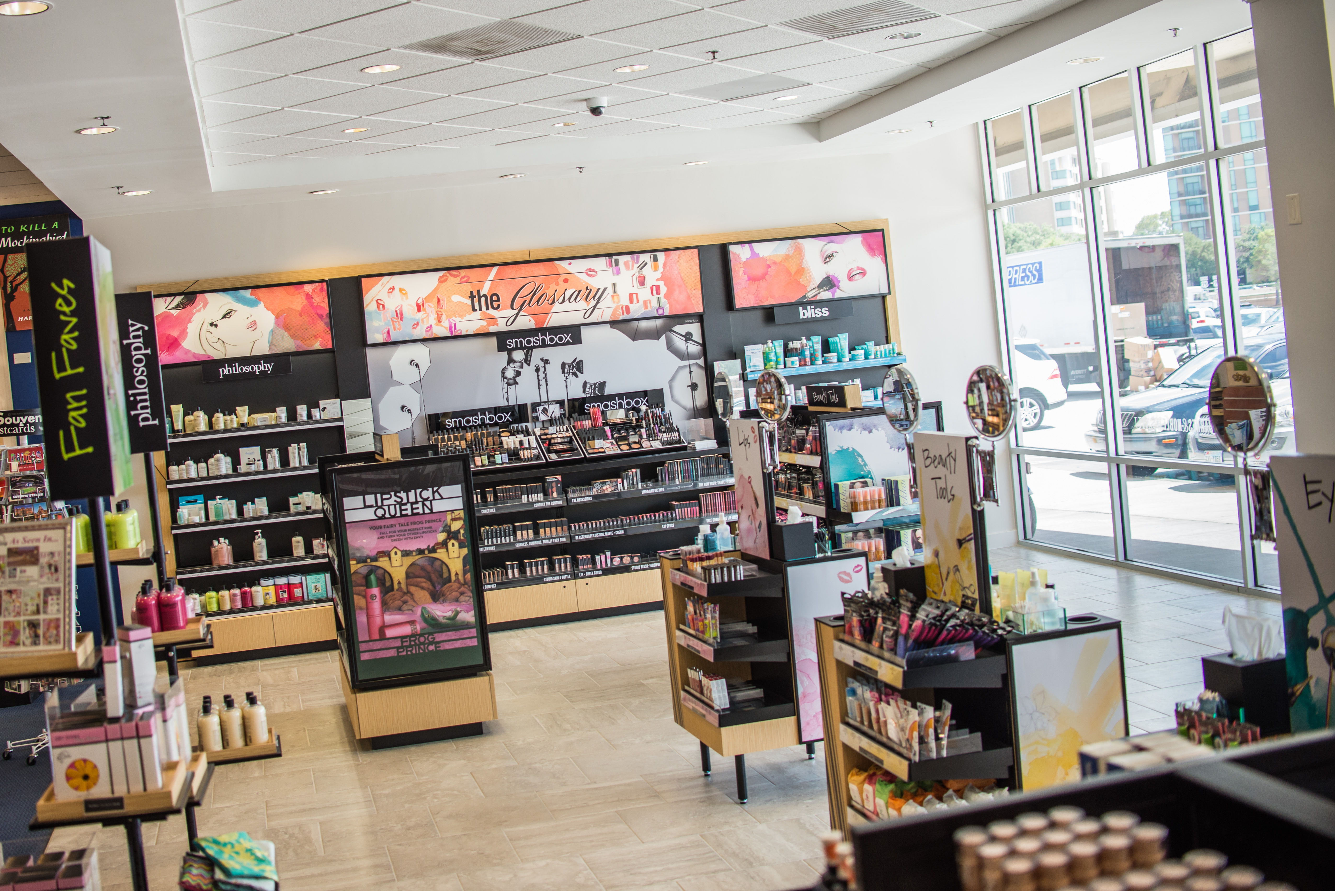 Barnes Noble College Beautifies The Campus Bookstore With Glossary