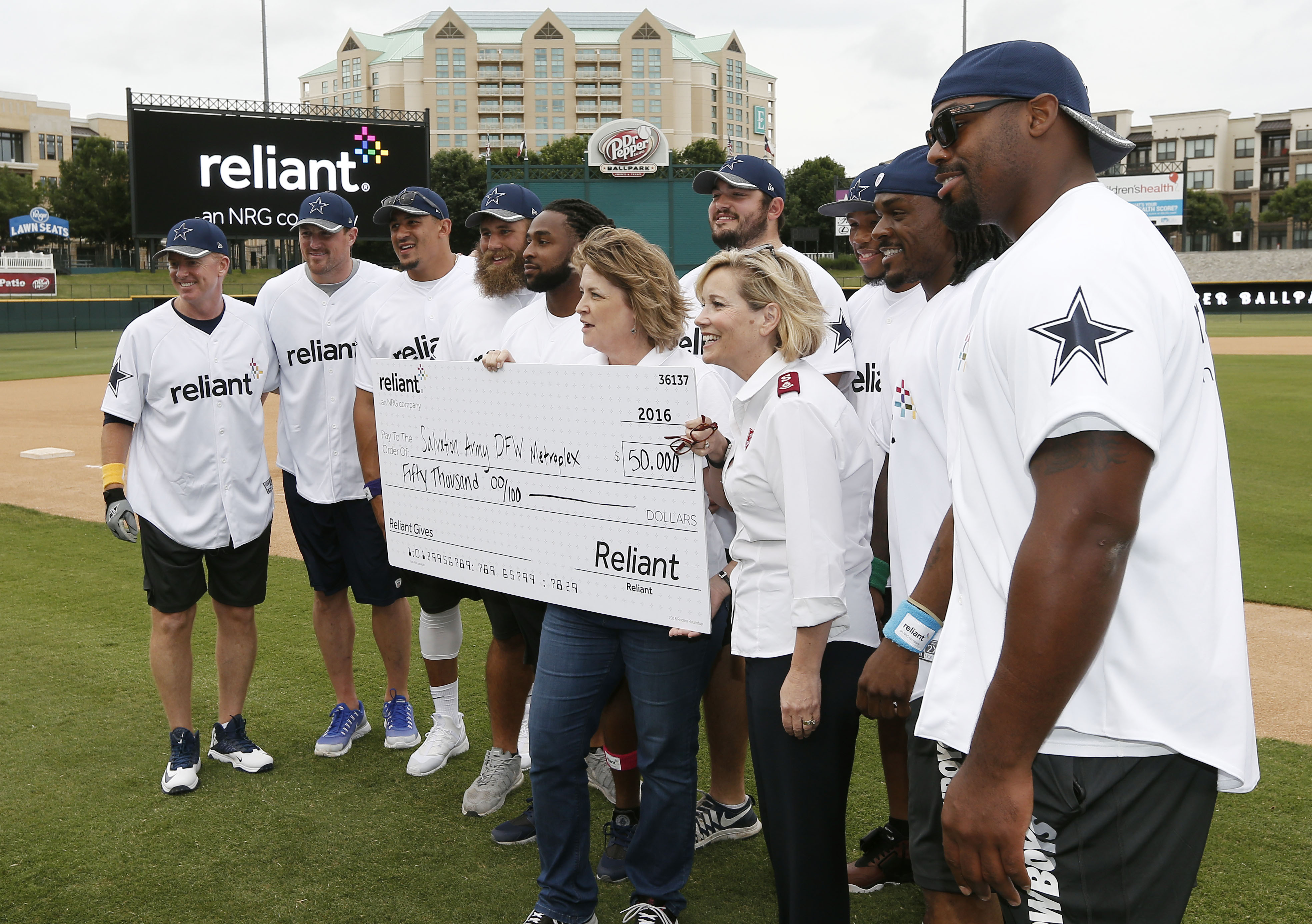 Swing Batter Batter Reliant Home Run Derby with Dallas Cowboys