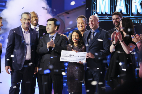 Winning Smiles From Team Grush Crowned America's Greatest Makers Photo by Tommy Baynard / © 2016 Intel Corporation. All Rights Reserved. From L to R (Front Row) Brian Krzanich Intel CEO and show judge, Dr. Yongjing Wang Team Grush, Dr. Anubha Sacheti Team Grush, Ethan Schur Team Grush, Carol Roth show judge. (Back row L to R) Kenny Smith guest judge, Mike Rowe guest judge, Jonathan Schaffer Team ASEAH