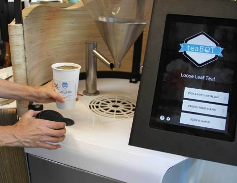 teaBOT offers an efficient self-serve kiosk, allowing customers to create personalized tea blends by choosing from a selection of 18 teas and herbal ingredients. (Photo: Business Wire)