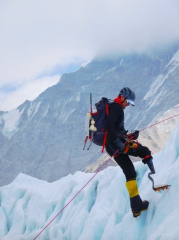 Jeff Glasbrenner: Climbing Mt. Everest (Photo: Business Wire)