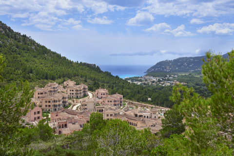 Park Hyatt Mallorca is set in the exclusive Cap Vermell Estate and is designed in the style of an authentic Mallorquín village (Photo: Business Wire)