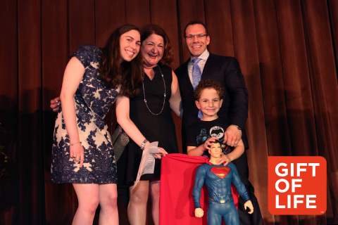 (l) Marrow donor Jill Greenberg Karten met for the first time her 5-year old transplant recipient Bennett Vulykh, and his parents at the Gift of Life Marrow Registry's 16th Annual Gala on June 2, 2016 at the Grand Hyatt NYC. (Photo: David Nicholas)