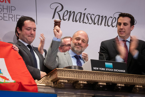 Stephen Weinstein, Group General Counsel of RenaissanceRe, rings the NYSE closing bell on June 2, 2016. (Photo: Business Wire)