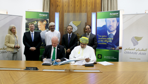 Signed partnership between Marcus Bernhardt, Chief Commercial Officer, Europcar Group and Mohammed Mubarak Al Shikely, Oman Air's Vice President Marketing (Photo: Business Wire)