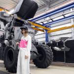 """Die berühmteste japanische """"alles zerstörende Schneidemaschine"""" ist da. TAGUCHi, der japanische Hersteller riesiger Roboter, hat einen unglaublich verrückten nicht am Computer erzeugten Film gedreht."""