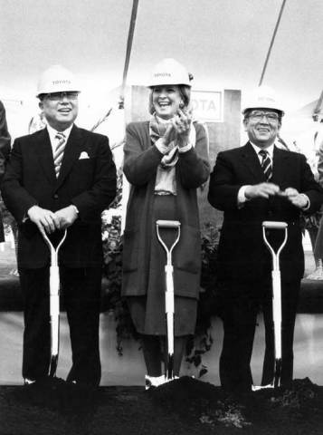 Toyota breaks ground for Georgetown plant in May 1986. Pictured left to right: Eiji Toyoda, Governor Martha Layne Collins, Shoichiro Toyoda (Photo: Business Wire)