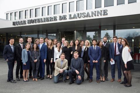 Les participants au projet axé sur le programme alimentaire de Google en 2030 : des étudiants de l'EHL et leur professeur Dr. Marc Stierand