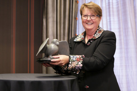 Shirley Chenier, Recipient of the Award for Excellence in Investor Relations. (Photo: Business Wire)