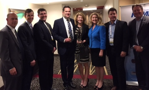 KEMET presents Digi-Key with the High Service Distributor of the Year Award (Photo: Business Wire).