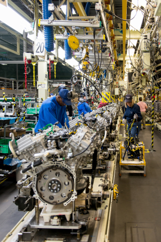 Toyota Motor Manufacturing Alabama (TMMAL) - V6 line (Photo: Business Wire)