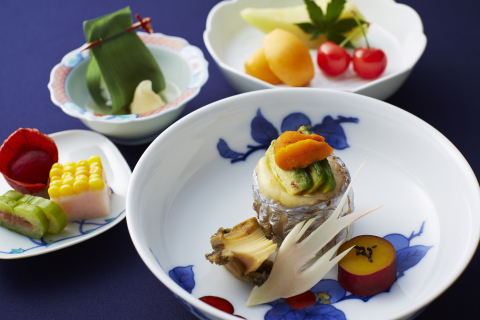 Keio Plaza Hotel Tokyo holds a special event of Arita Porcelains, celebrating the 400th anniversary of Japanese traditional art. Guests will enjoy the spectacular exhibition in the lobby as well as the specially prepared menus which are served in Arita porcelain dishes. (Photo: Business Wire)