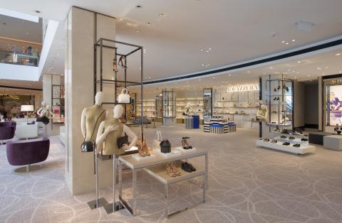 擴建後的T Galleria新濠天地店將以嶄新的方式,提供 T Galleria尊尚顧客服務,為新濠天地的顧客呈獻 DFS 集團首創的鞋履沙龍,以及集合多個品牌的男士時裝及美容生活購物區。(照片:美國商業資訊)