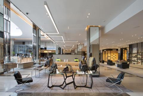 佔地兩層的T Galleria新濠天地店鞋履專區將提供超過 50 個男士及女士鞋履品牌,當中包括在澳門自此一家的 Aquazzura 和 Rupert Sanderson,新專區將是香港和澳門最大規模的鞋履精品區,絕對是不容錯過的購物地標。(照片:美國商業資訊)