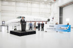 Adam Johnson, CEO of NetJets, addresses a crowd of Textron Aviation employees (Photo: Business Wire)
