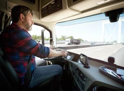 The TomTom TRUCKER 6000 Lifetime Edition (Photo: Business Wire)