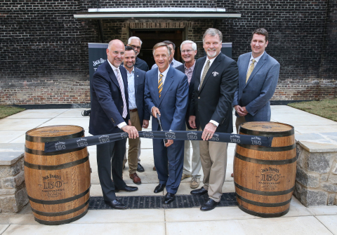 Tennessee Governor Bill Haslam, state officials, Master Distiller Jeff Arnett and representatives from Jack Daniel's celebrate the opening of the enhanced visitor experience at the Jack Daniel Distillery. L-R (Front): Eric Doninger, Larry Combs, Governor Bill Haslam, Rep. David Alexander, Jeff Arnett, Matt Blevins  (Rear): Steve May, Mayor Sloan Stewart (Photo: Business Wire)