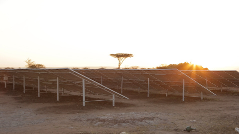 Solar microgrids in South Africa (Photo: Business Wire)