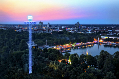 Maschsee Lake Festival Hannover: holiday feelings in the city and a seaside atmosphere in the heart of the town (Copyright : HMTG / Michael Thomas). (Photo: Business Wire)