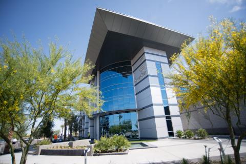 CyrusOne's Chandler II Data Center Facility (Photo: Business Wire)