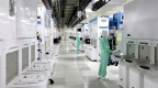 The clean room of New Fab2, Yokkaichi Operations (Photo: Business Wire)