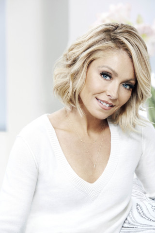 Kelly Ripa, Emmy-winning talk show host and home decor enthusiast, presents the Kelly Ripa Home fabric collection exclusively at Jo-Ann stores and joann.com (Photo: Business Wire)