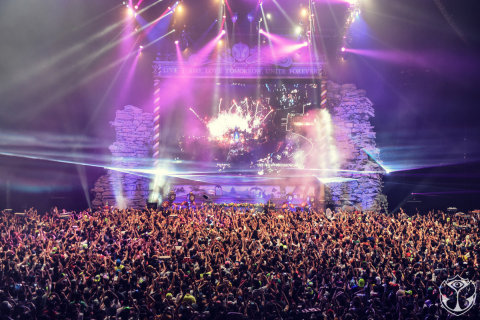 Tomorrowland initiated its UNITE concept in 2015, with a live connection to Mumbai and Mexico City ( ...