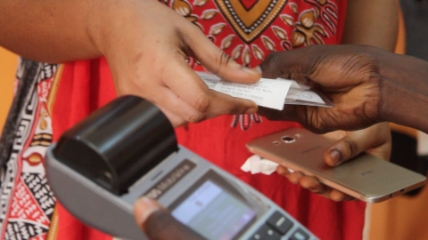 A TagPay mobile transaction in Senegal. (Photo: TagPay)